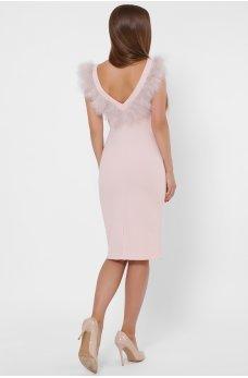 Дизайнерское платье розового цвета футляр с отделкой из перьев
