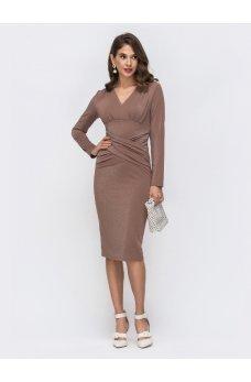 Коктейльное платье из люрекса бежевого цвета
