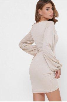 Нежное мини-платье бежевого цвета