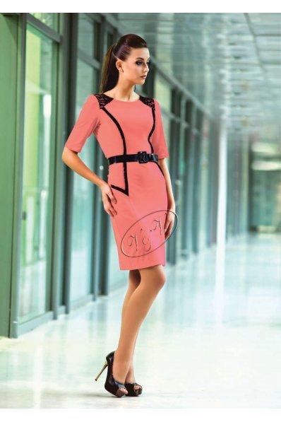 Коралловое платье с гипюром