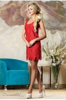 Элегантное вечернее платье красного цвета