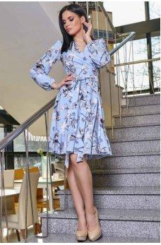 Молодежное платье в голубом оттенке