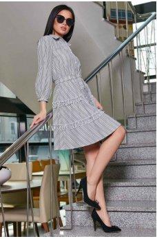 Городское весеннее платье серого цвета