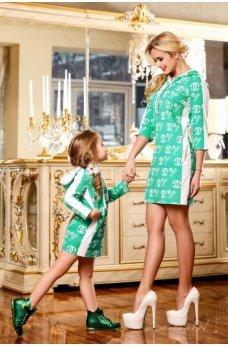 Легкое спортивное зеленое платье