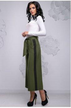 Модные кюлоты цвета хакки с боковыми вставками