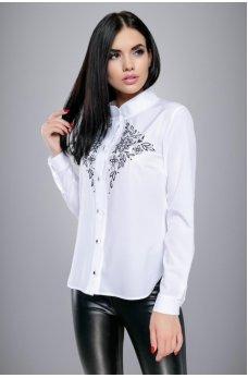 Белая рубашка с черной вышивкой