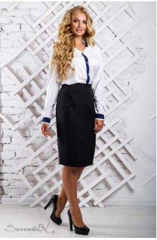 Белая блуза с темно-синей планочкой