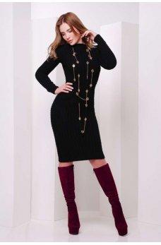 Вязаное черное платье с узором косички
