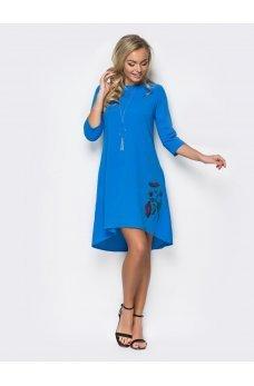 Платье А-силуэта с удлиненной спинкой ярко-синего цвета