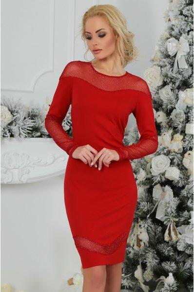 Красное праздничное платье с фигурными вставками гипюра
