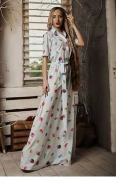 Голубое нежное длинное платье с принтом