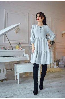 Нарядное светло-серебристое платье  свободного покроя из люрекса
