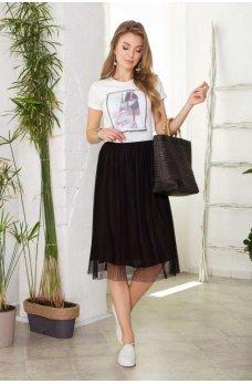 Комплект черной юбки с футболкой
