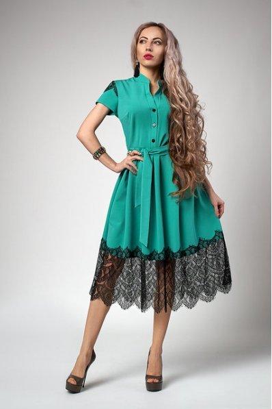Бирюзовое платье с пышной юбкой