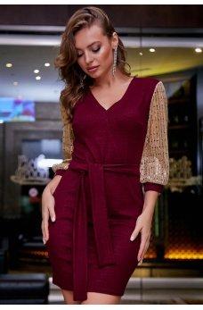 Блестящее марсаловое платье
