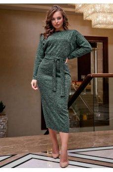 Изящное платье футляр зеленого цвета