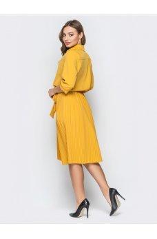 Легкое желтое платье с юбкой плиссе
