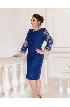 Приталенное платье батал синего цвета