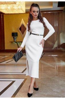 Прямое платье белого цвета с боковыми разрезами