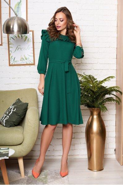 Романтичное платье миди с рюшей зеленое