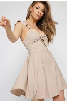 Бежевое привлекательное платье мини