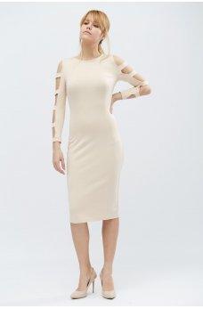 Бежевое стильное платье футляр