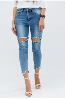Голубые стильные джинсы-скинни с дырками