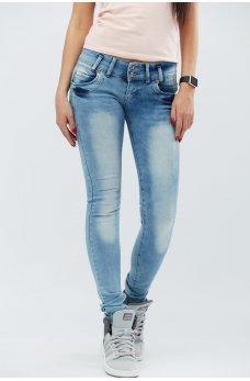 Голубые комфортные джинсы-скинни с потертостями