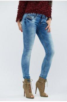 Голубые молодежные джинсы-скинни с потертостями