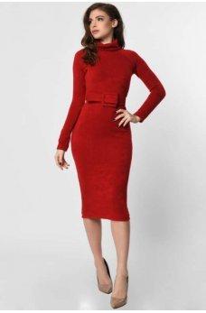 Стильное платье из ангоры красного цвета