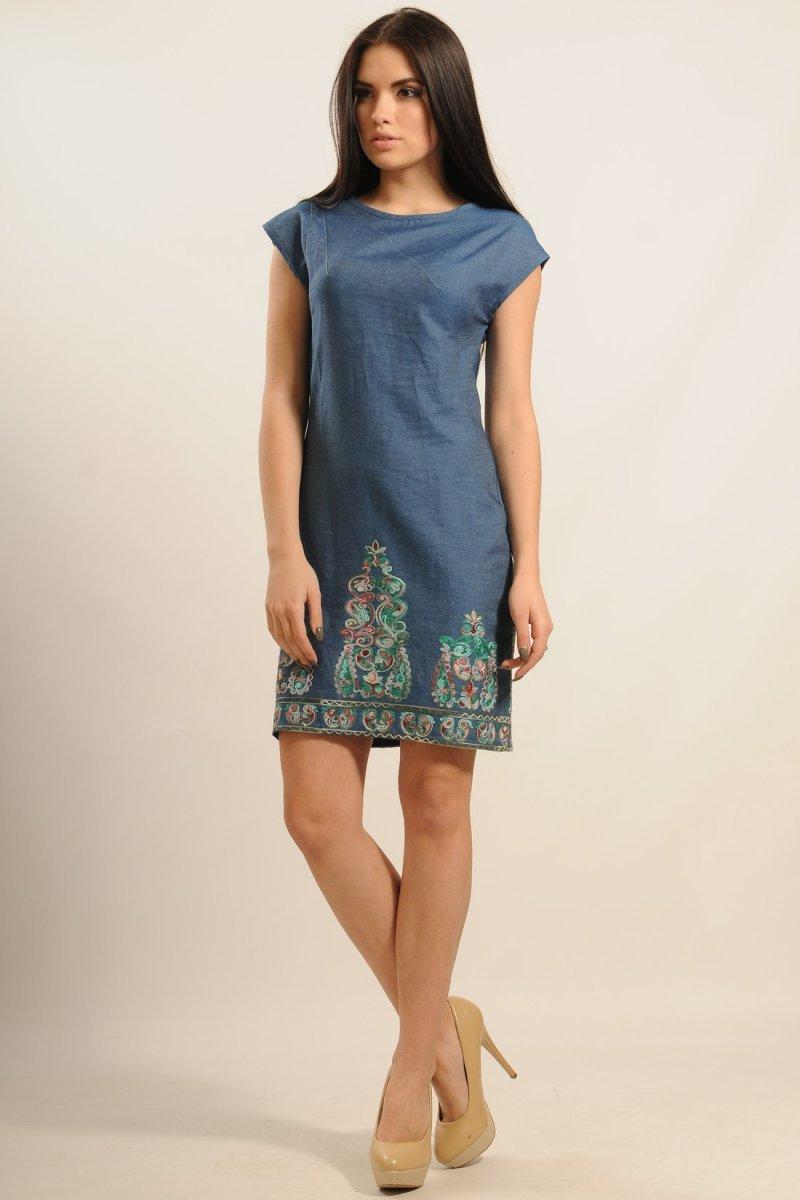 0b1460fd8fe Стильное джинсовое платье с вышивкой по низу