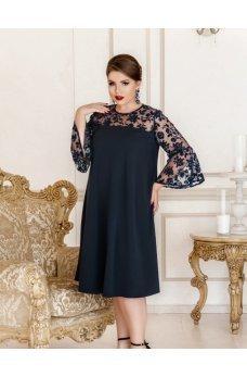 Привлекательное платье батал темно-синего цвета