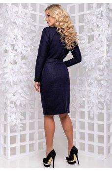 Романтичное платье футляр темно-синего цвета