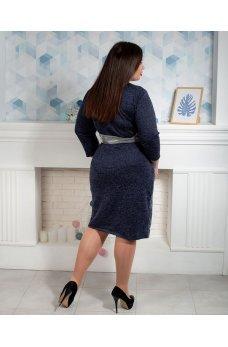Темно-синее платье на запах