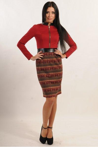 Платье вишня с этническим принтом