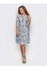 Женственное платье с ярким цветочным принтом