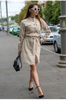 Бежевое утонченное платье-рубашка с поясом