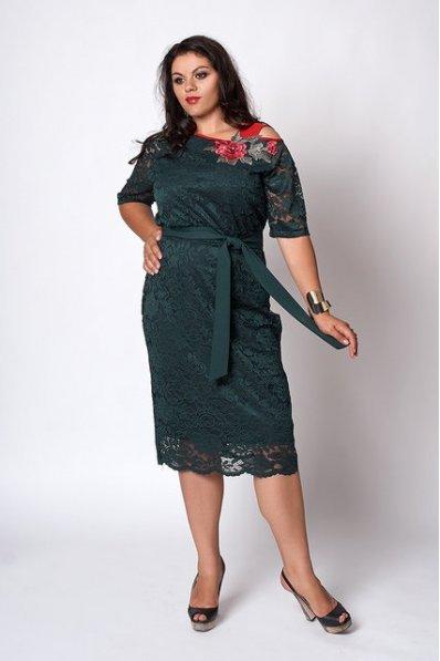 Гипюровое платье зеленого цвета
