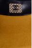 Горчичное замшевое платье с кожаными рукавами - фото 1