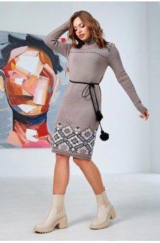 Кофейное вязаное платье вышиванка с орнаментом