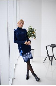 Вязаное платье вышиванка синее с голубым орнаментом