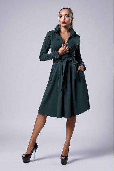 Изумрудное пышное платье с поясом