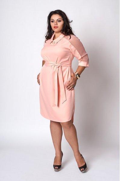Элегантное пудровое платье