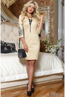 Светло-кофейное платье с вышивкой на рукавах