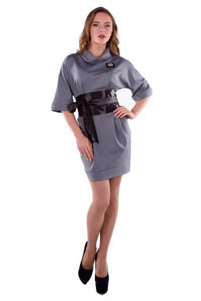 Комфортное серое платье с поясом