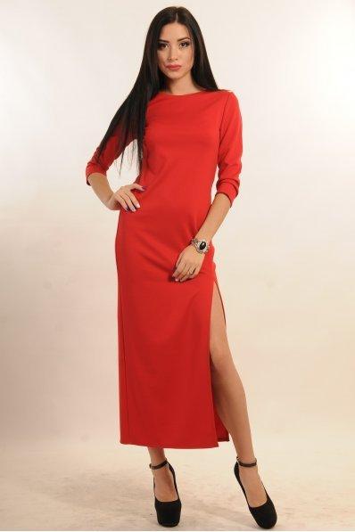 Красное платье миди с разрезом