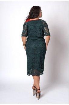 Кружевное платье красного цвета
