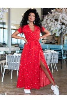 Длинное красное платье в горошек