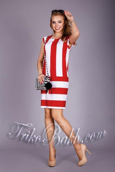 Летнее платье в красно-белую полоску