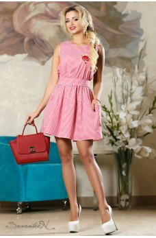 Літнє бавовняне плаття в червону смужку